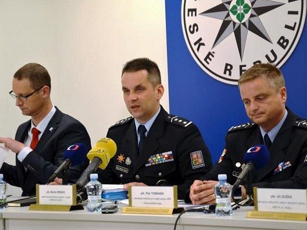 Policejní tisková konference k blížícímu se fotbalovému ME do 21 let.