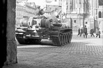 Tank na Staroměstském náměstí.