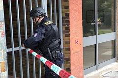 Zásah policie v ulici Famfulíkova.