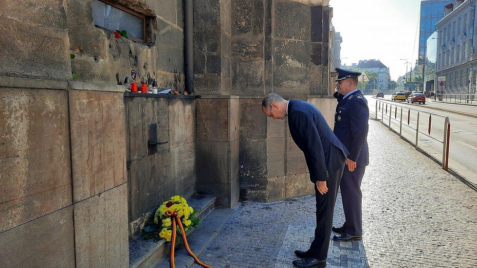 Německý velvyslanec Christoph Israng ocenil statečnost parašutistů, kteří provedli útok na Reinharda Heydricha.