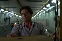 Video Stallone zachraňuje Blanku ukazuje město jako džungli, kterou může zachránit pouze jediný muž!