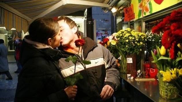 Sv. Valentýn přeje nejen všem zamilovaným, ale i tajně milovaným.