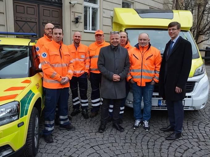 Zdravotnická záchranná služba Středočeského kraje. Na snímku Martin Houdek a Martin Kupka.