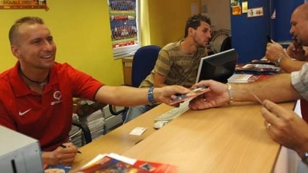 Ještě v červnu letošního roku zahajoval Horst Siegel předprodej permanentek na Spartu. Nyní se s letenským klubem nedobrovolně loučí.