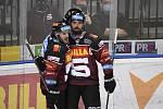 Dohrávka 4. kola hokejové extraligy: HC Sparta Praha - HC Vítkovice Ridera, 11. prosince 2020 v Praze. Hráči Sparty Lukáš Pech (vlevo) a Michal Řepík se radují z čtvrtého gólu.