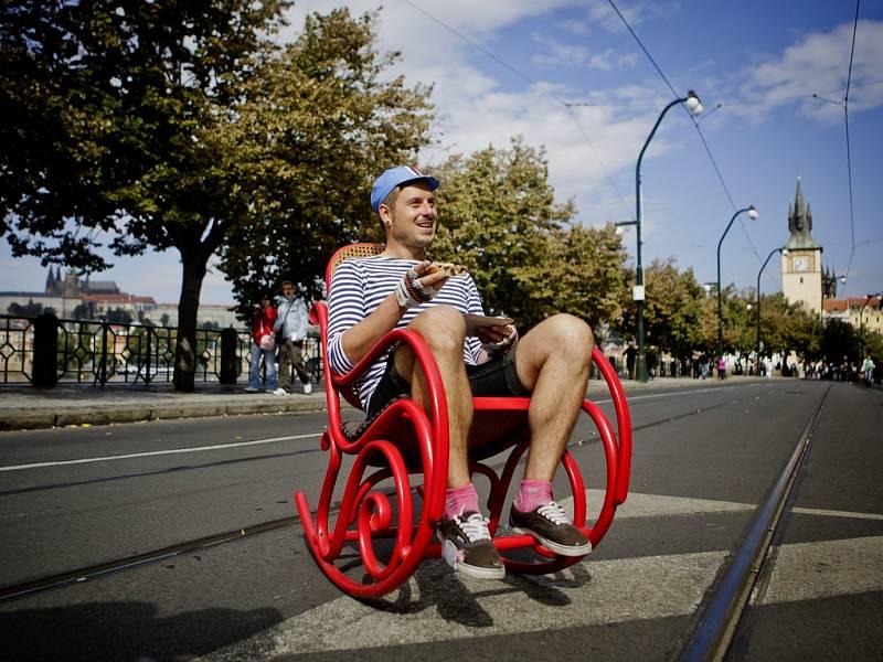 Zastaví se individuální automobilová doprava před nejužším pražským centrem, jako tomu bylo, když se na několik sobot Smetanovo nábřeží změnilo v pěší zónu?