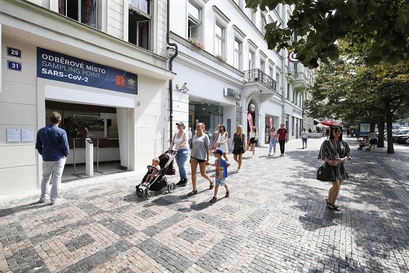 Praha zřídila odběrové místo na testování covid-19.