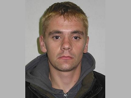 Policisté dopadli Václava Hlinovského, který minulý týden ujížděl v odcizeném vozidle po ulici Strakonická.