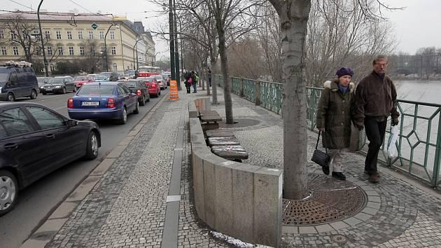 Smetanovo nábřeží v Praze