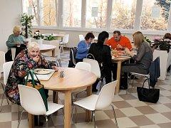 Otevření veřejné jídelny v Bytovém domě Malešice