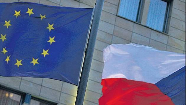 I MALÝM UNIE PROSPÍVÁ. Členství Česka v Evropské uniipřineslo výhody nejen velkým, ale i malým a středním firmám. Má však i své vady krásy.