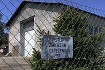 Stavba ilegální spalovny - průmyslová zóna obce Dobříč.