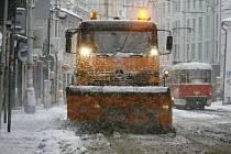 Zimní údržba silnic. Ilustrační foto.