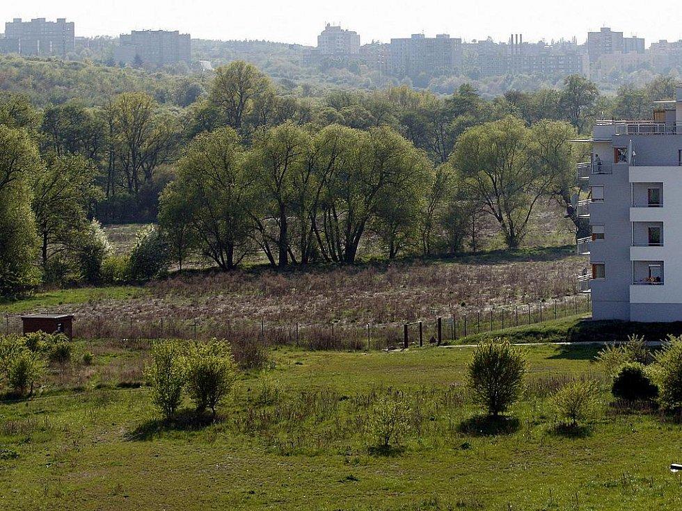 BOJ O TROJMEZÍ. I když územní plán se zachováním zeleně počítá, být ve střehu rozhodně neuškodí.