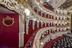 Státní opera se po tříleté rekonstrukci opět otevírá veřejnosti.