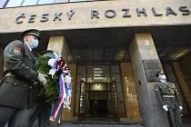 Před budovou Českého rozhlasu v Praze se 21. srpna 2020 konala vzpomínková akce k uctění památky obětí invaze vojsk Varšavské smlouvy na území Československa v roce 1968.