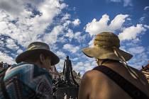 Znovuodhalení zrestaurovaného pomníku Mistra Jana Husa při příležitosti stého výročí od jeho vzniku proběhlo 2. června na pražském Staroměstském náměstí