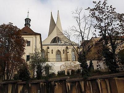 Klášter benediktinů na Slovanech (Emauzy) v Praze.