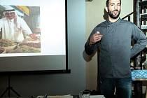 Přednáška izraelského kuchaře Noama Daroma.