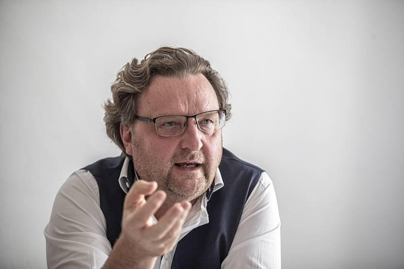 Náměstek pražského primátora Petr Hlaváček poskytl v červnu 2020 rozhovor Deníku.
