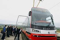 Zkušební jízda nové tramvaje 15T ForCity