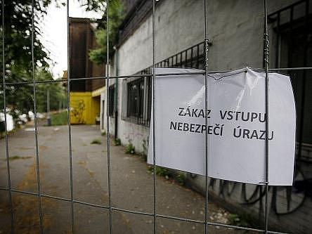 2. června pokračovala demolice bývalého zimního stadionu na pražské Štvanici.