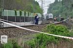 Iveta Bartošová se nechala přejet příměstským vlakem CityElefant na okraji Uhříněvsi – mezi stanicemi Praha-Uhříněves a Praha-Kolovraty. Na místě zemřela. Práce na místě nehody se projevily i na provozu vlaků.
