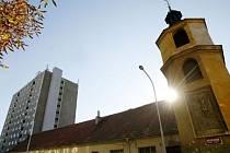 LIDÉ MUSÍ BÝT NA DVŮR HRDÍ. To je podle radních Prahy 4 hlavní kritérium pro výběr budoucího využití Dominikánského dvora v Praze Braníku.