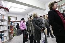 OBAVY. Kromě tradičních chřipek a nachlazení přivádějí v posledních dnech do lékáren mnoho obyvatel metropole také obavy ze zvyšujících se cen a nadcházajících poplatků.