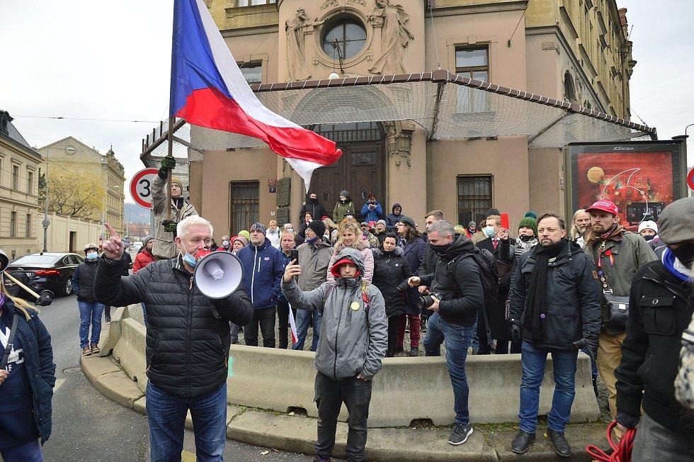 Drobní podnikatelé protestovali 1. prosince 2020 proti opatřením vlády.