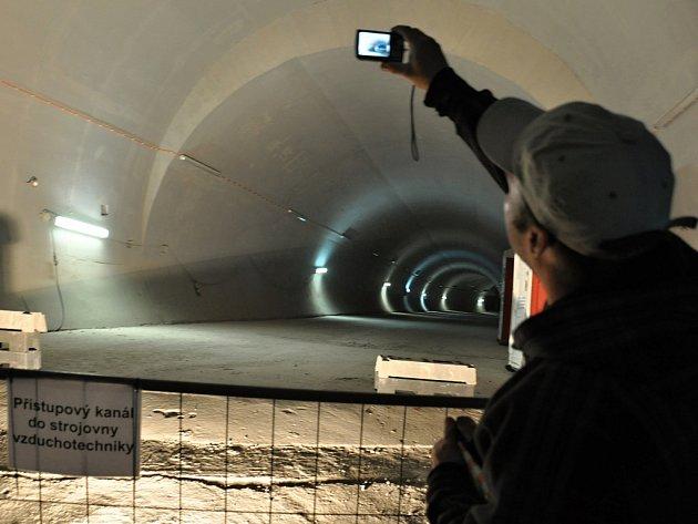 Prohlídka pražského tunelu Blanka.