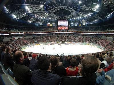 BEZ DIVÁKŮ. Hokejisté Slavie budou hrát přípravné zápasy v Sazka Areně bez divácké kulisy. Jejich příznivcům nebude na duely s Havlíčkovým Brodem a Znojmem umožněn přístup.