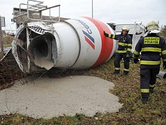 Havárie domíchávače betonu.