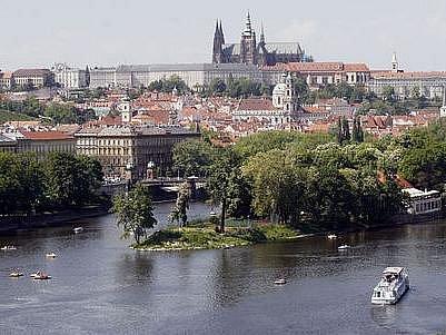 OSLAVA PĚTI P. Praha krásná, Praha historická, Praha svobodná, Praha futuristická a Praha živá, to je motto Oslav Prahy.