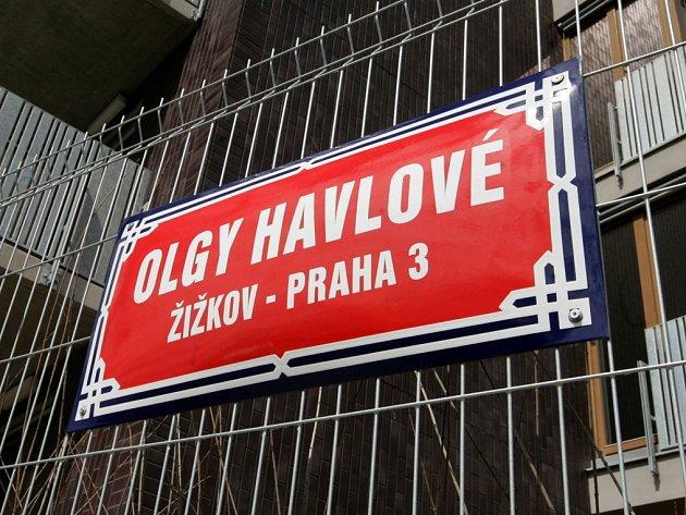 Slavnostní odhalení názvu ulice Olgy Havlové na Žižkově.