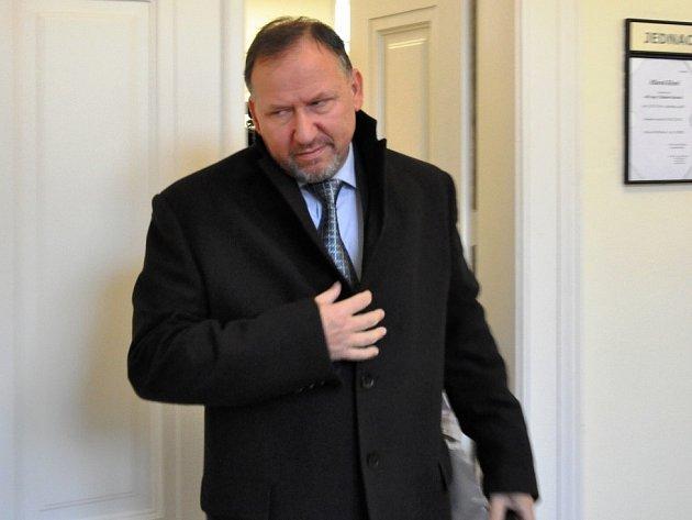 Exředitel strážníků Kotrouš dostal u soudu šest let