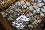 Praha (10. 5. 2017) – Kloknerův ústav Českého vysokého učení technického v Praze představil ve středu prvotní závěry zkoumání betonu v základové části třetího pilíře Libeňského mostu. Stav není dobrý.