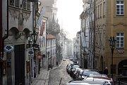 Nerudova ulice - Procházeli zde korunovační průvody králů, ale také projížděli první linkové autobusy v českých zemích. Nejvíc ji proslavil spisovatel, kterého si zahraniční turisté pletou s chilským básníkem Pablem Nerudou.