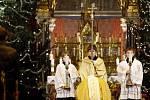 Po celé republice probíhaly v noci ze 24. prosince půlnoční mše. Jedna probíhala i v kostele sv. Ludmily na náměstí Míru v Praze.