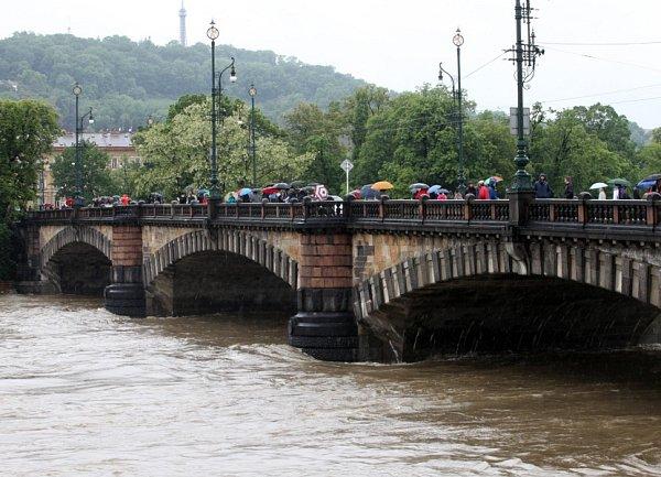 Povodně vPraze vpondělí 3.června.