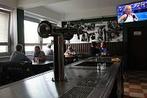 Legendární restaurace Oáza se proměnila na Nádražní Tankovnu Smíchov.