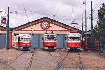 DPP pokřtil dvě tramvaje Tatra T2, po necelých 56 letech se vrací do provozu v Praze na nostalgické lince č. 23.