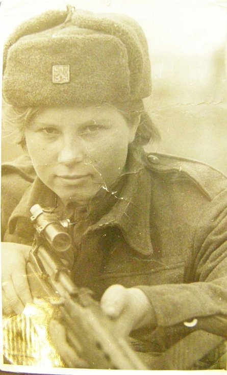 Vanda Biněvská jako snajperka. Buzuluk rok 1942.