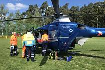 U nehody zasahoval vrtulník.