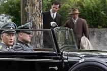 Dotáčka filmu Lidice, při které je zachycen atentát na říšského protektora Heidricha, se natáčela 27. dubna v Praze 4. Premiéra filmu se odehraje 31. května.