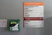 Česká zemědělská univerzita je nově vybavena defibrilátory.