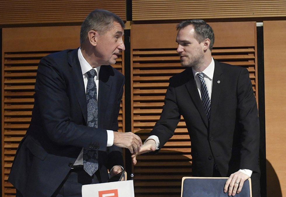 Premiér Andrej Babiš (vlevo) a pražský primátor Zdeněk Hřib (na snímku z 6. prosince 2018).