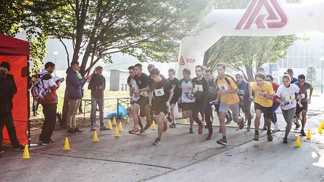 Štafetový maratonský běh studentů.