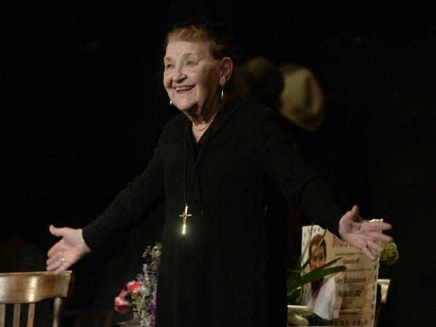 Herečka Věra Kubánková v Divadle Na Jezerce v Praze.