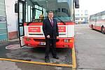 Řidič Michal Kolek se loučí s legendárními autobusy Karosa B 951 pražského dopravního podniku.